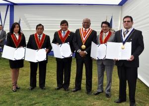 Docentes que lograron méritos académicos fueron congratulados por autoridades UPLA.
